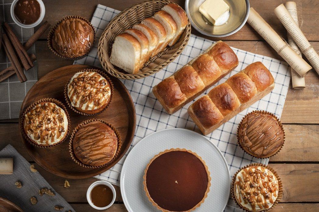 台南大員皇冠假日酒店大廳的289BAR,推出療癒系且訴求健康的麵包與蛋糕,並開放...
