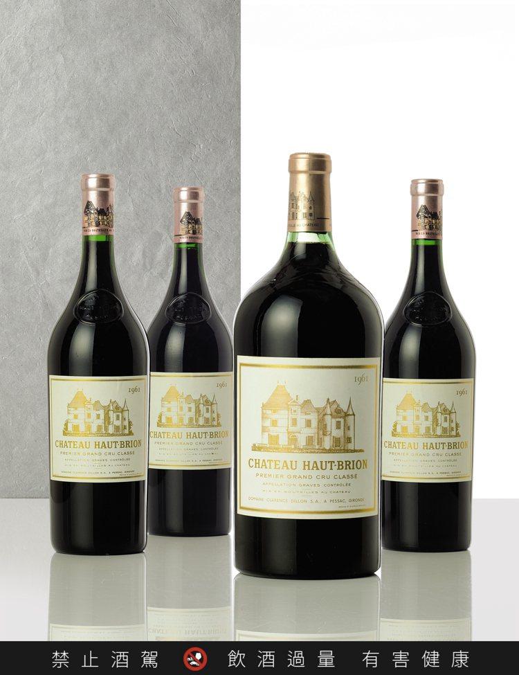 侯伯王1961年,單瓶3公升裝,估價14萬港元起;1961年,1.5公升裝3瓶組...