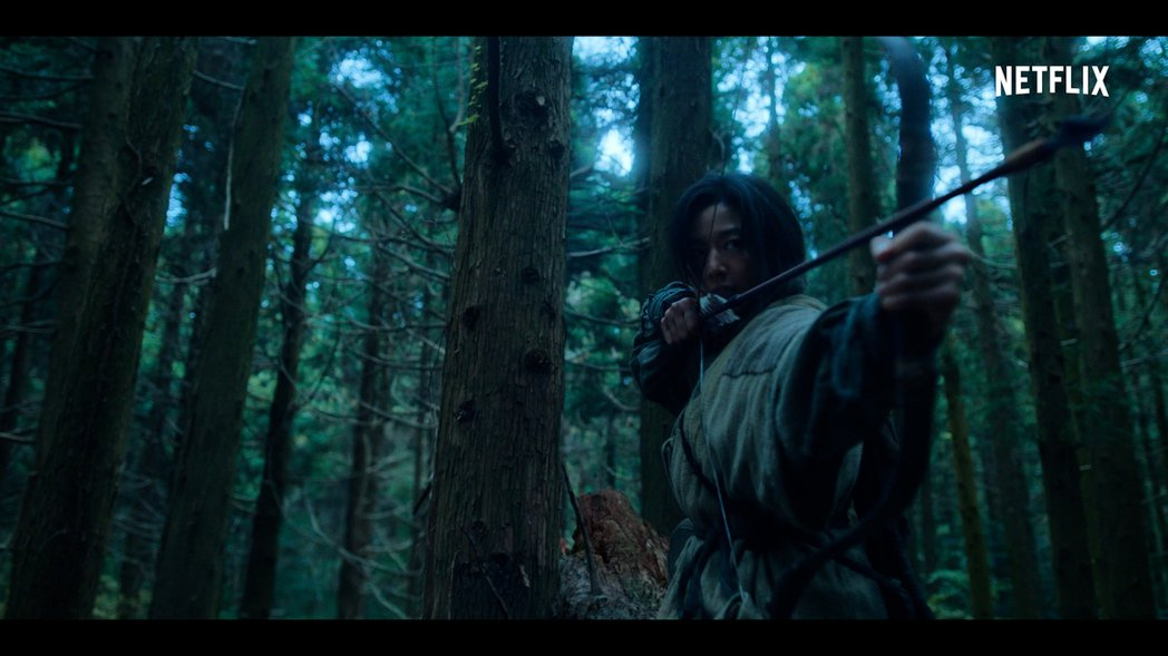全智賢在「屍戰朝鮮:雅信傳」裡霸氣十足。圖/Netflix提供