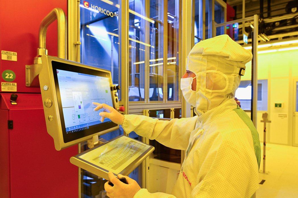 圖為 Bosch在德國Dresden的新晶片廠。  路透