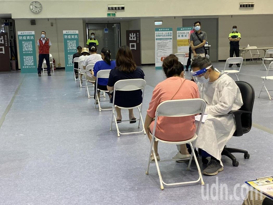 現場請到新竹馬偕醫院婦產科團隊醫師提供諮詢,採「宇美町式」打法,孕婦可在原位施打...