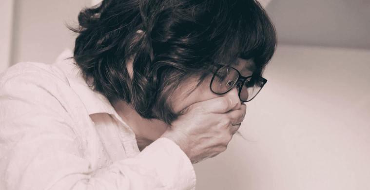 50多歲的謝小姐罹患泛視神經脊髓炎。圖/台灣神經免疫疾病協會提供