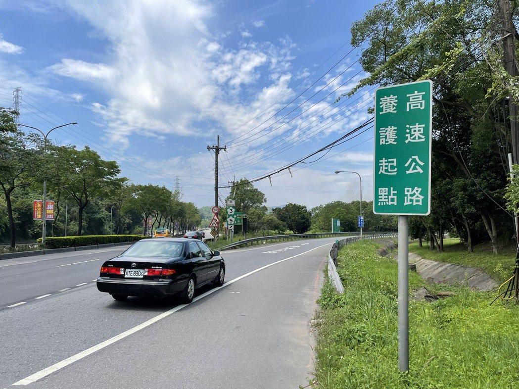 新北交通局規畫在國3新增匝道,未來從新台五路進入國3南下匝道,就可不必等紅綠燈,...