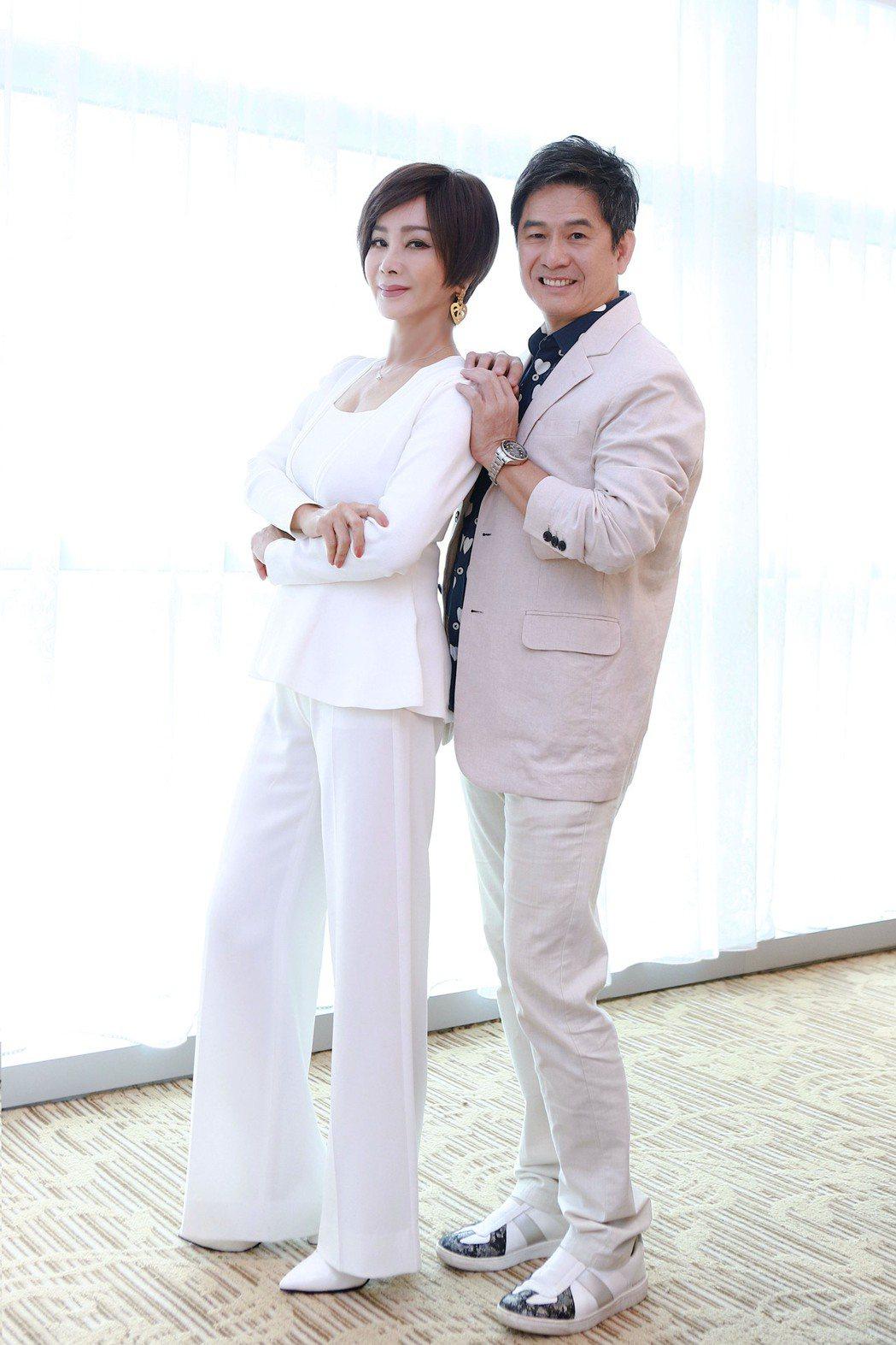 陳美鳳(左)、洪都拉斯主演8點檔「黃金歲月」。圖/民視提供
