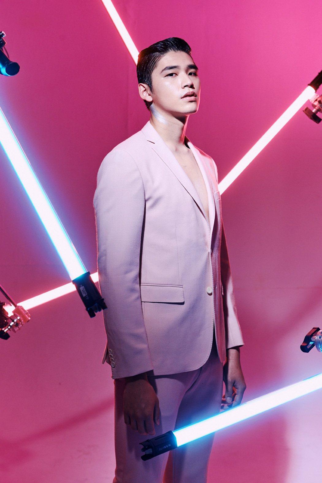 王品澔是璀璨之星第8屆男模冠軍。圖/伊林娛樂提供