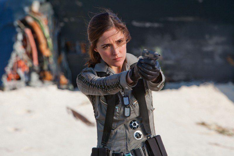 蘿絲拜恩曾在賣座電影「X戰警:未來昔日」、「X戰警:天啟」飾演戲份吃重的女探員莫...