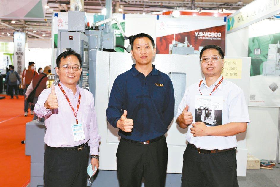 精代公司推出600型立式滾齒機,是齒輪加工業好幫手。黃奇鐘/攝影