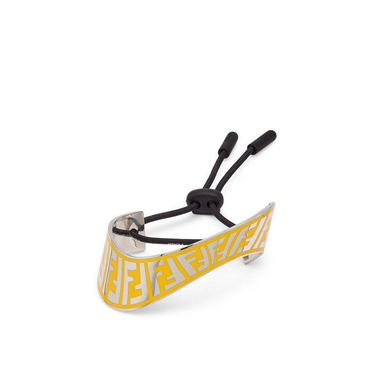 Summer Vertigo系列金屬扭曲綁帶手環,15,800元。圖/FENDI...