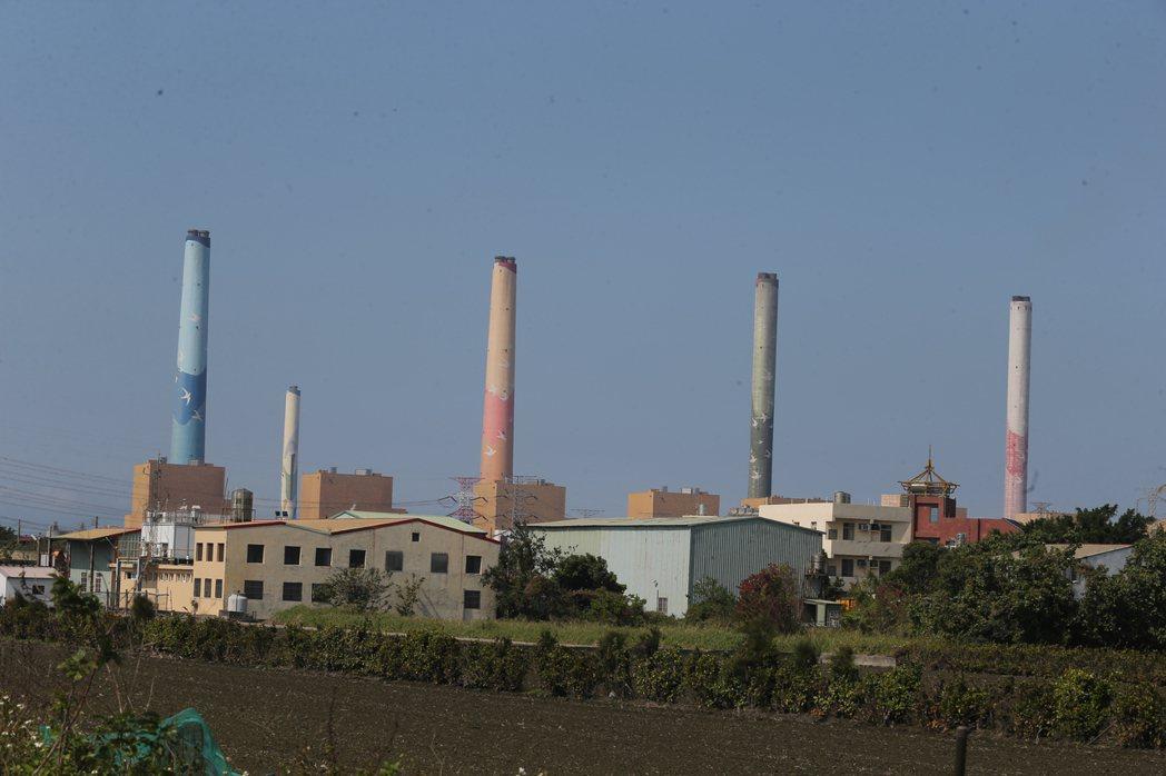 台中火力發電廠。圖/本報資料照片