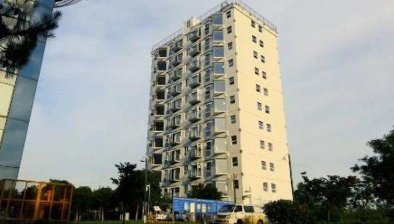 這棟公寓式大樓,僅花28小時45分便完工,令人嘖嘖稱奇。擷自CNN報導影片