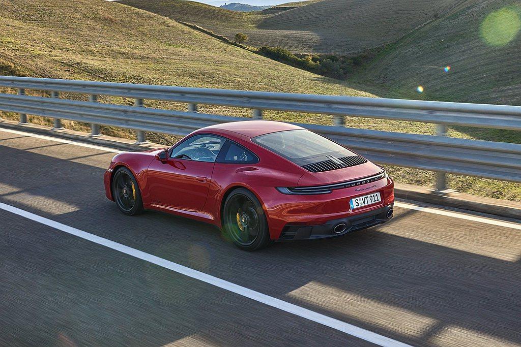 工程師應用來自保時捷911 Turbo的高性能煞車系統作為基底,特別優化GTS煞...