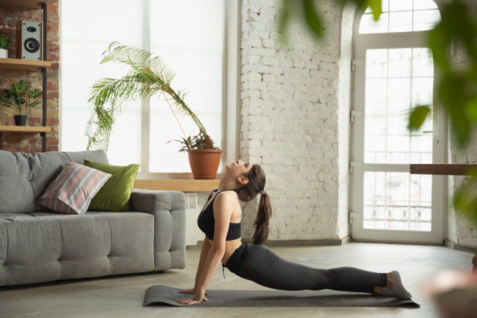 人面獅身式:舒緩放鬆,消除壓力造成的腹部緊繃 圖/freepik