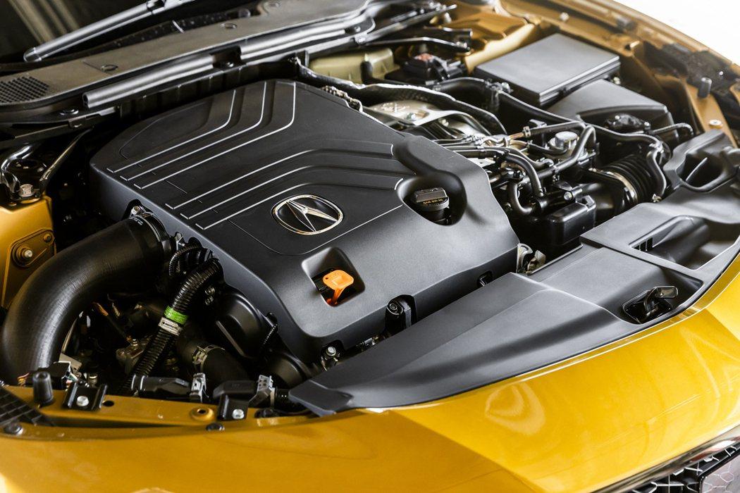 3.0升V6雙渦流輪增壓引擎,能夠輸出355hp最大馬力與48.9kg-m扭力。...