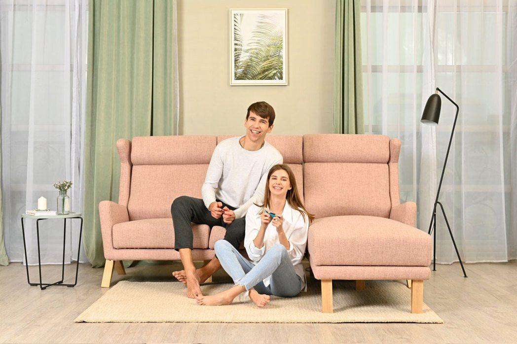米蘭達北歐設計款L型沙發,售價66000元。