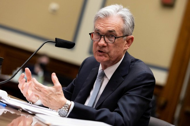 美國聯準會(Fed)主席鮑爾22日到美國眾議院新冠危機特別小組委員會作證。  路...