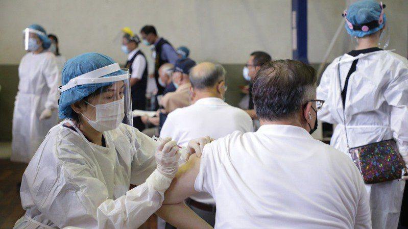 圖為打疫苗示意圖。圖/本報資料照片