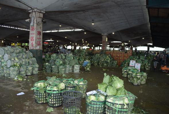 北農表示,由於疫情影響,進場交易承銷人較平日減少三成,北農也趁機輔導承銷人採用預...