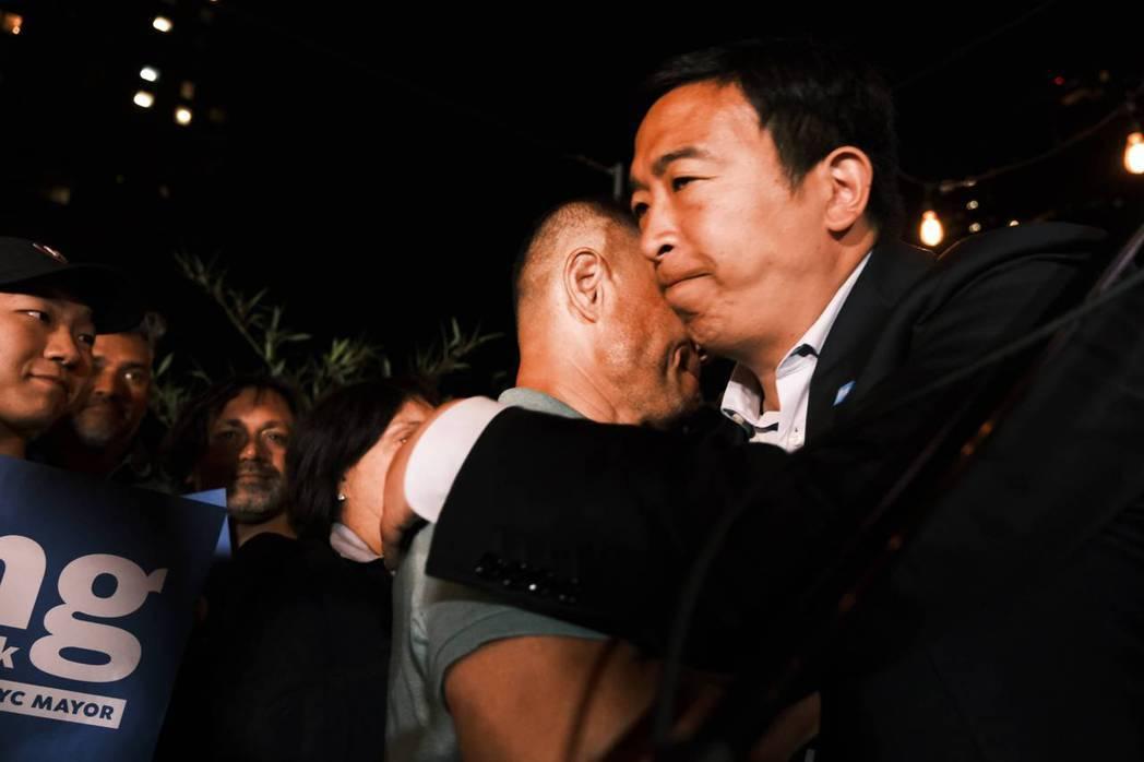 民主黨紐約市長初選在美東時間22日晚間開票,在開出80%選票後,台裔參選人楊安澤...