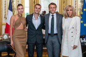 小賈斯汀穿球鞋、海莉穿中空禮服見法國總統 挨批「不正經穿搭」卻猛吸網友500萬個讚