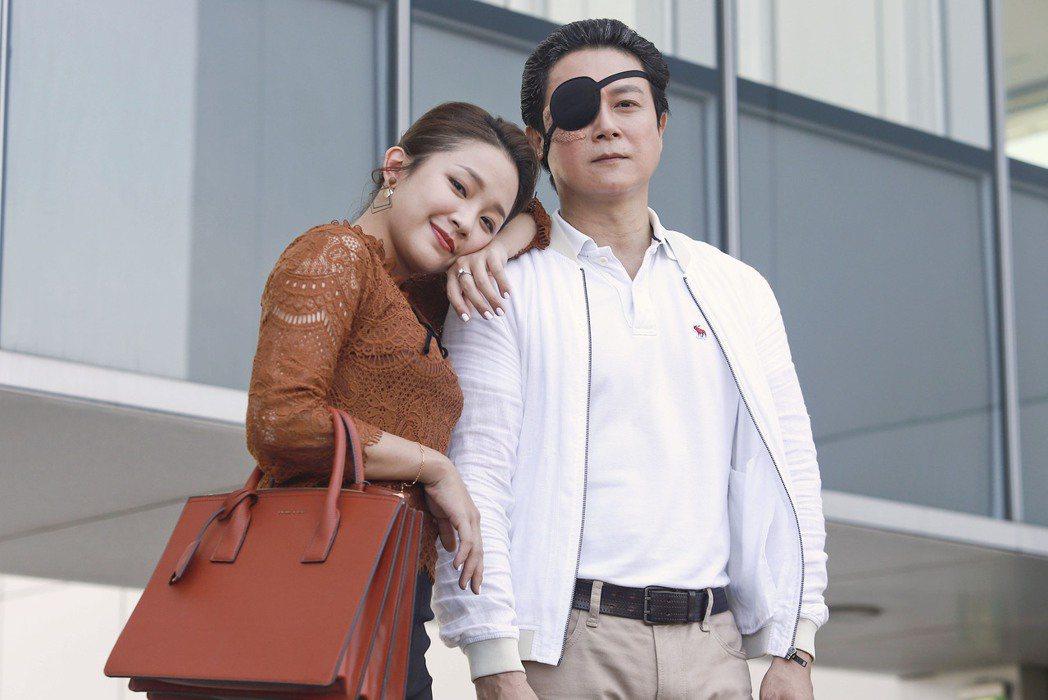 王燦(右)、賴慧如在「多情城市」飾演夫妻。圖/民視提供