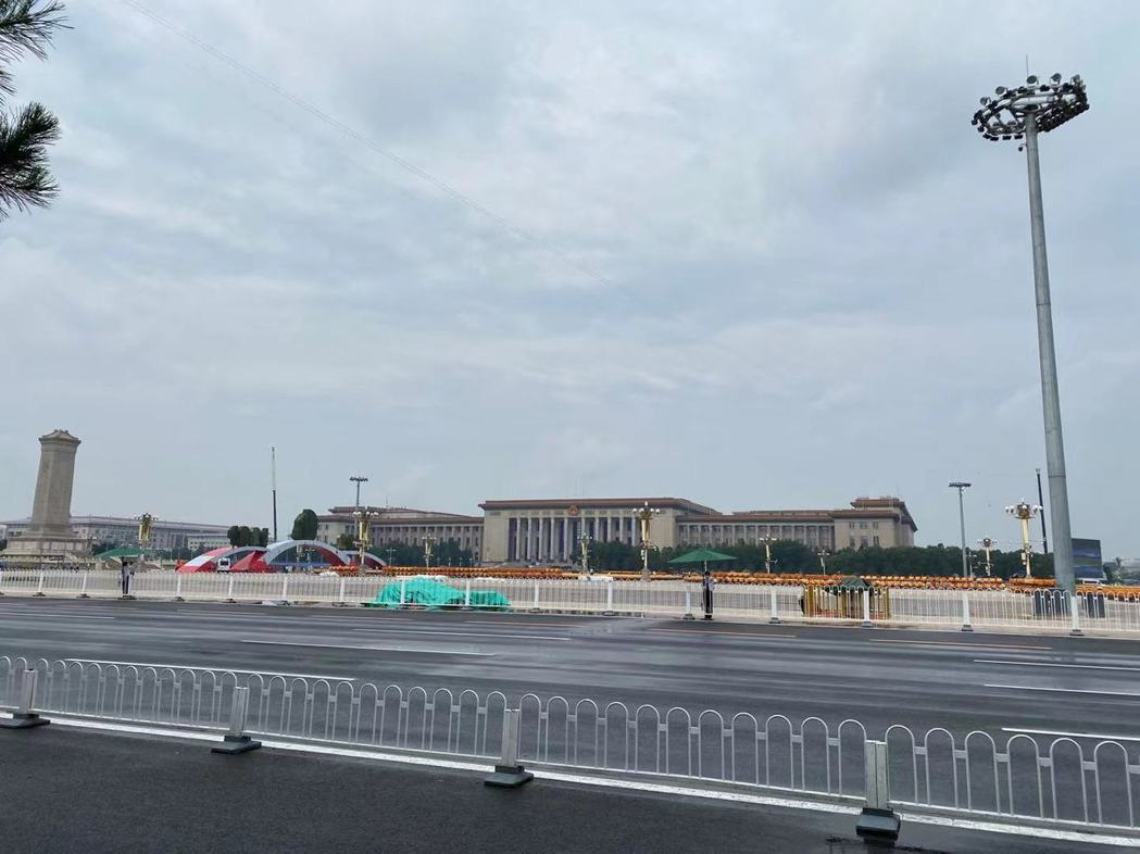 天安門廣場因應中共建黨100年而實施封閉管理。記者呂佳蓉/攝影