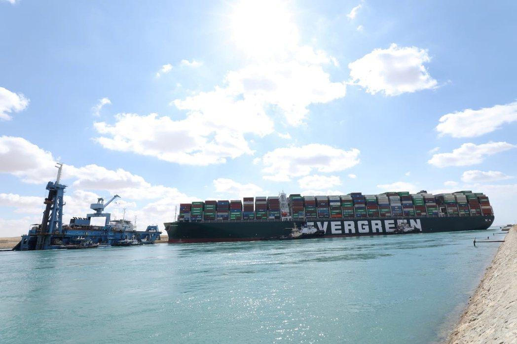 長賜輪船東代表表示,已和蘇伊士運河管理局達成初步賠償協議。  路透