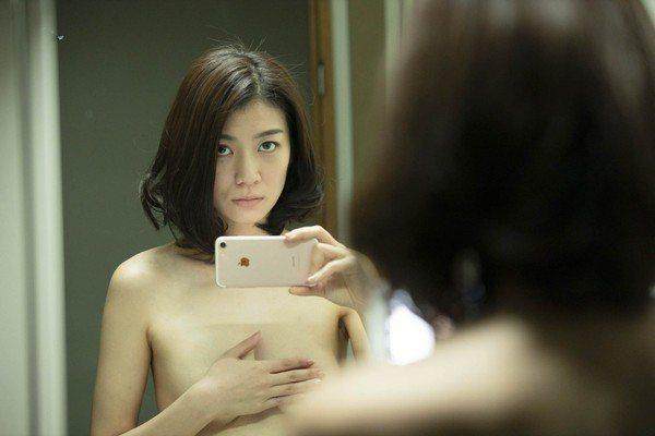 瀧内公美在「私慾帳號」有精彩演出。圖/采昌提供