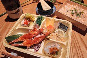 辻半海鮮丼3款日式餐盒85折!龍蝦、和牛都吃得到
