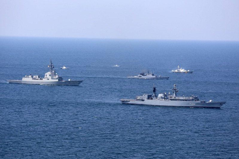 美國海軍與烏克蘭海軍2020年共同主辦「海風2020」多國海上軍演影像。今年的海風2021軍演將有32國的5000軍力、32艘軍艦與40架飛機參加。路透