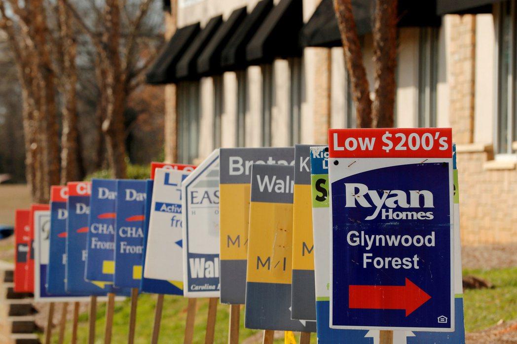 美國和歐洲部分地區的房價紛紛漲上歷史新高。路透