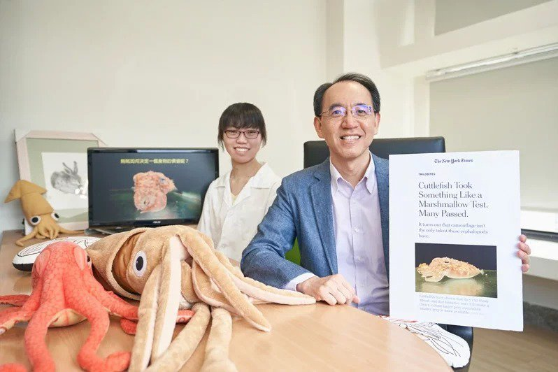 清華大學教授焦傳金(右)與博士生郭子新的研究成果獲紐約時報兩度報導。圖/清華大學提供