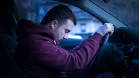累了就先休息一下吧! 英國有10%駕駛曾開車時打瞌睡