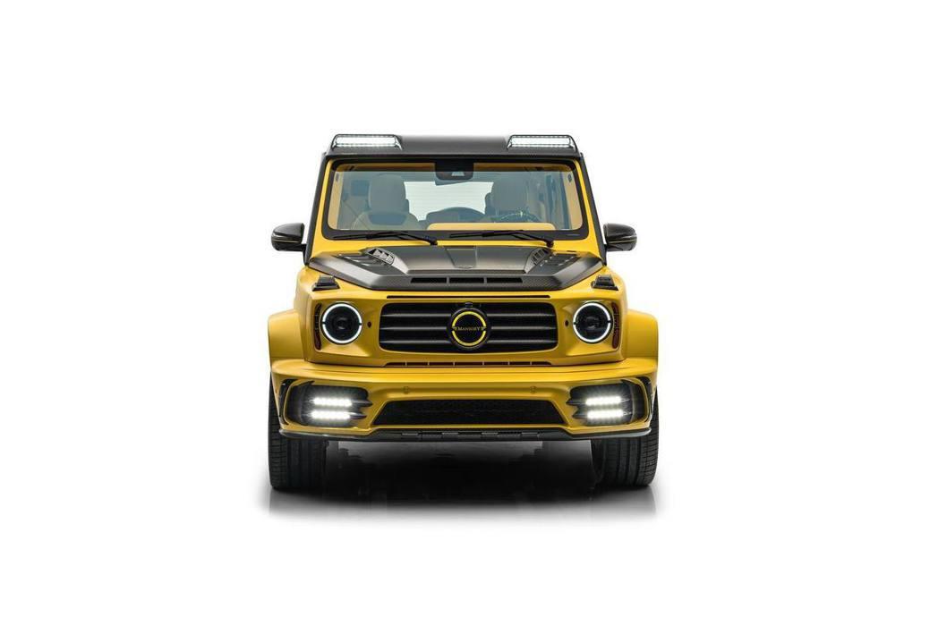 AMG G63以啞光黃配色搭配大量碳纖維部件,整體看起來更加搶眼。 圖/Mans...
