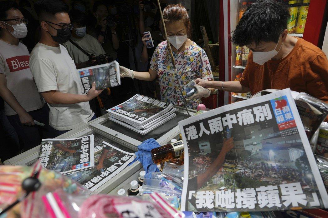 若無《蘋果日報》的革新與衝擊,香港報業可能早已步入絕境,而《蘋果》已今時不同往日...
