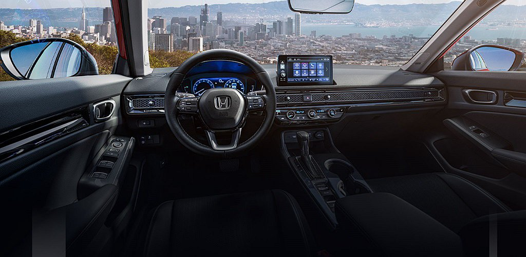 Honda Civic Hatchback Sport Touring配有10....