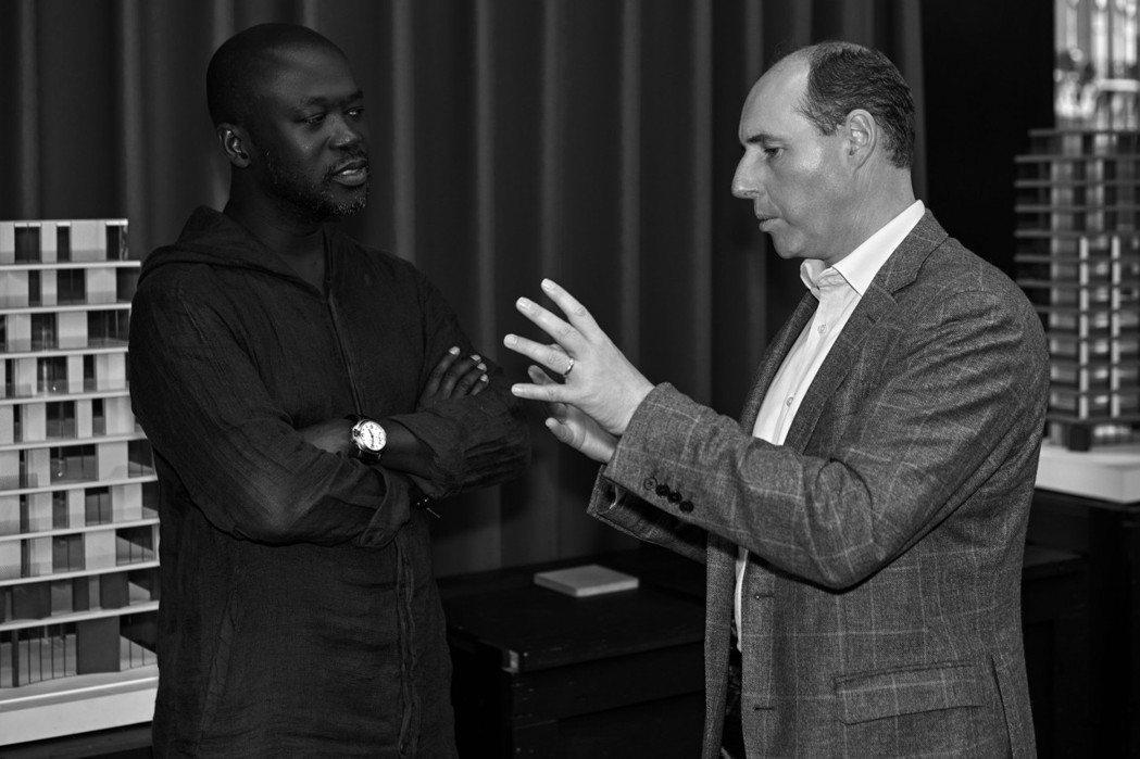 為讚揚約翰和喬治的高膽遠矚,高登麥克菲爾與享譽全球的建築師暨設計師阿賈耶爵士合作...