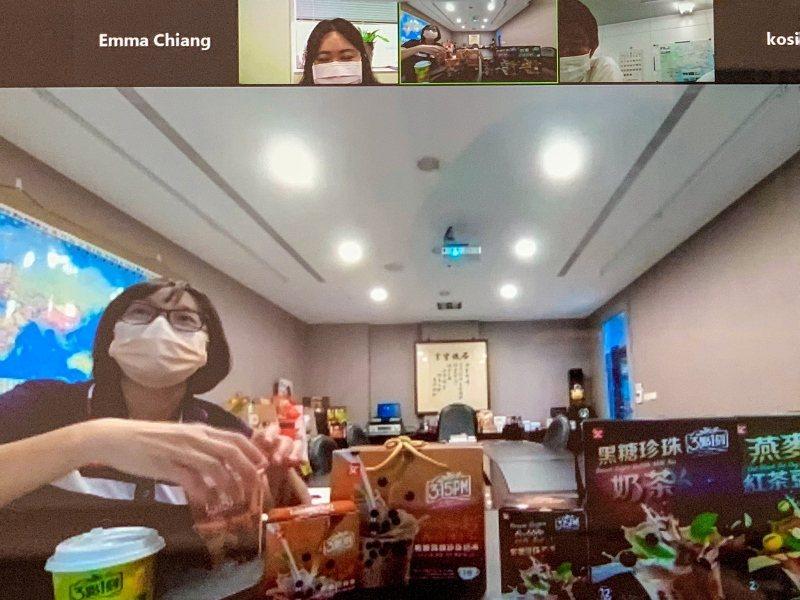 台灣業者在線上展示優質產品,逐一向買主介紹。 貿協/提供