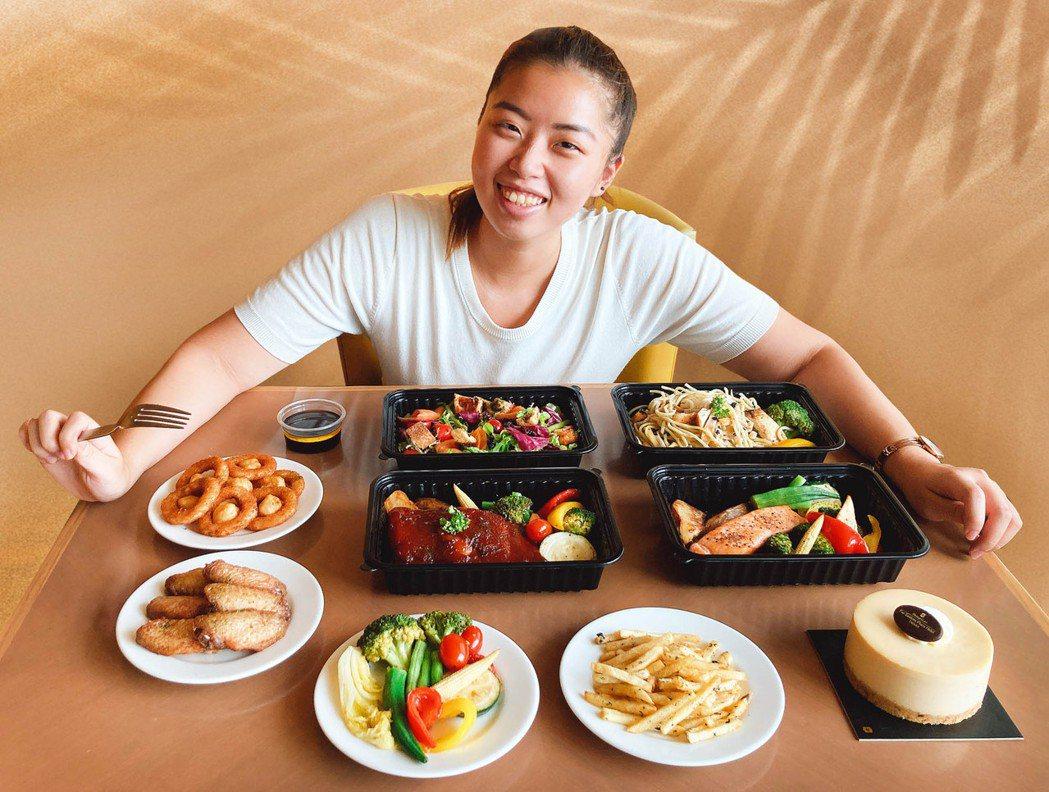 「歡樂時光西式分享餐」適合全家分享,皆可依個人喜好搭配菜單內容,讓你無論在家或在...