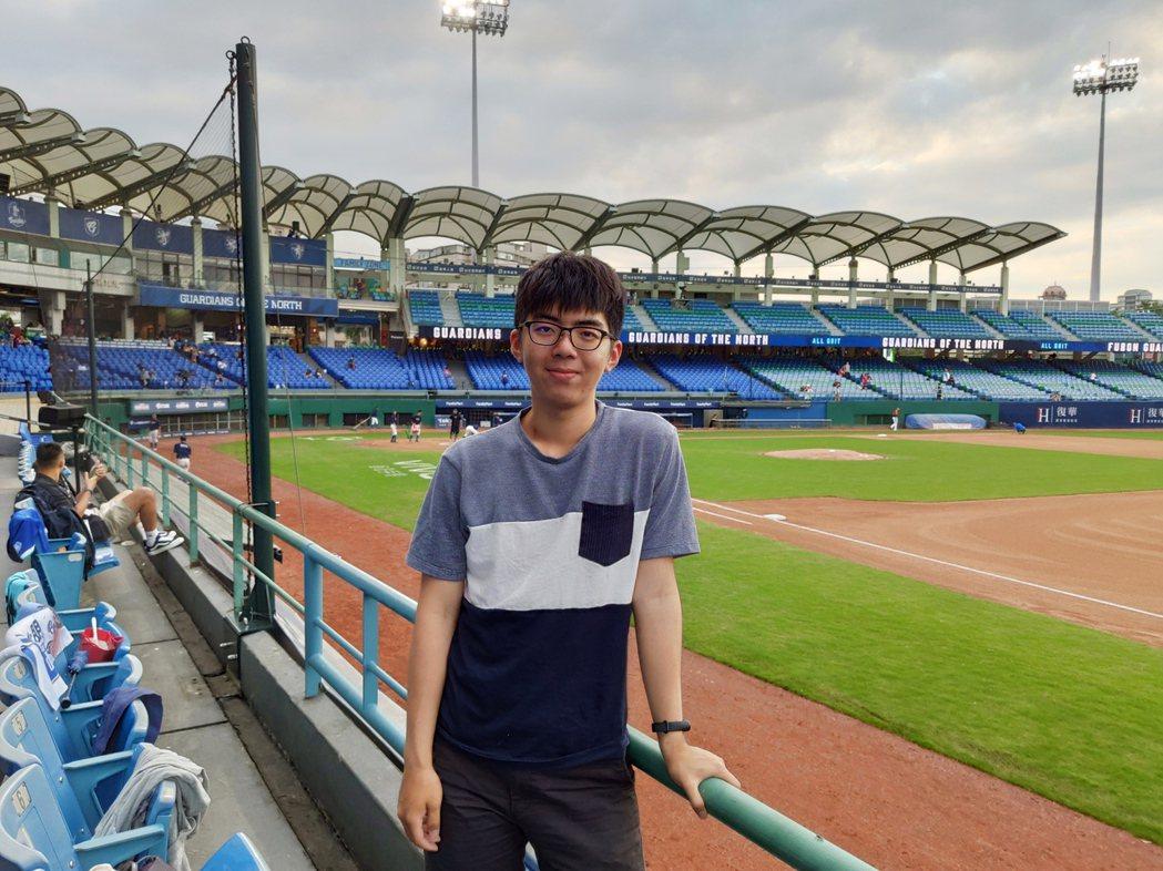 因為CIIA考試的磨練,使得劉昱謙在大三和大四的學科,有種駕輕就熟的感覺,投資理...