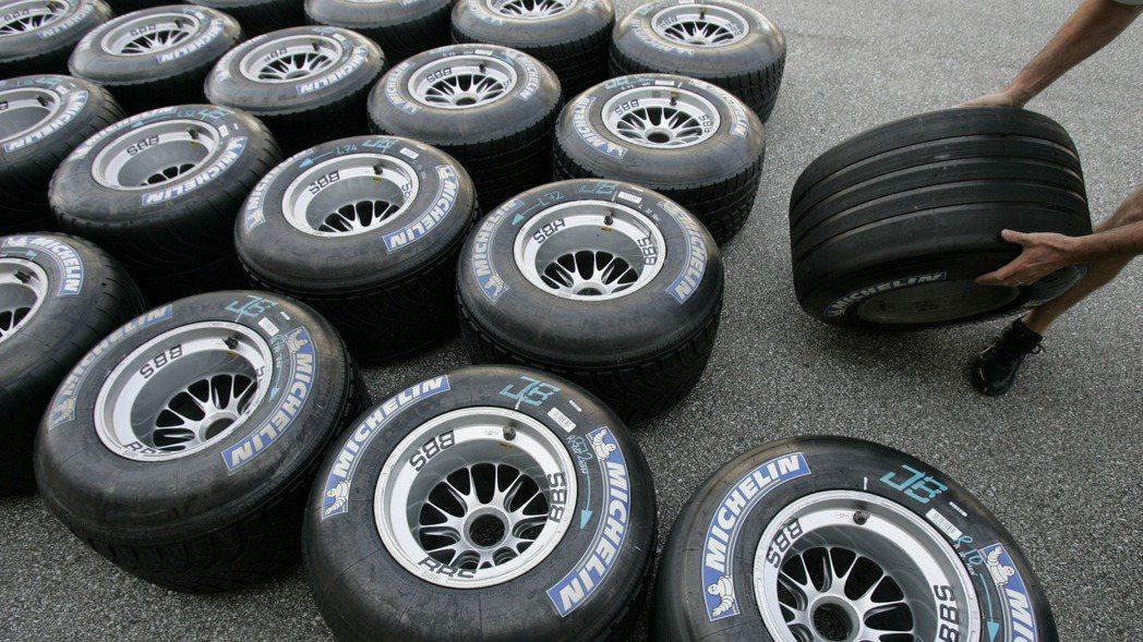 美國國際貿易委員會23日表示,從台灣、南韓和泰國進口的小客車和輕型卡車輪胎,給美...