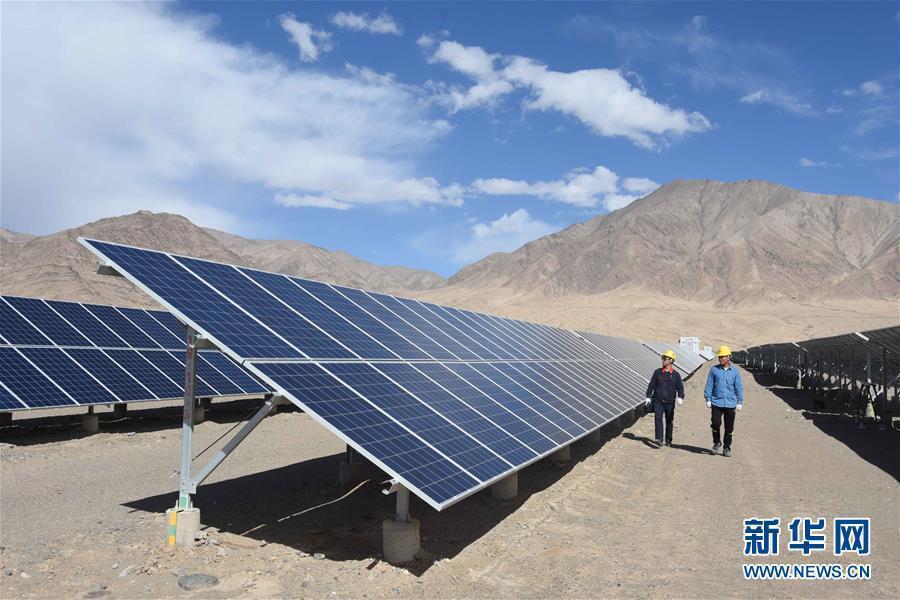 新疆是大陸多晶矽的主要產區,占全球產能45%。照片/新華網