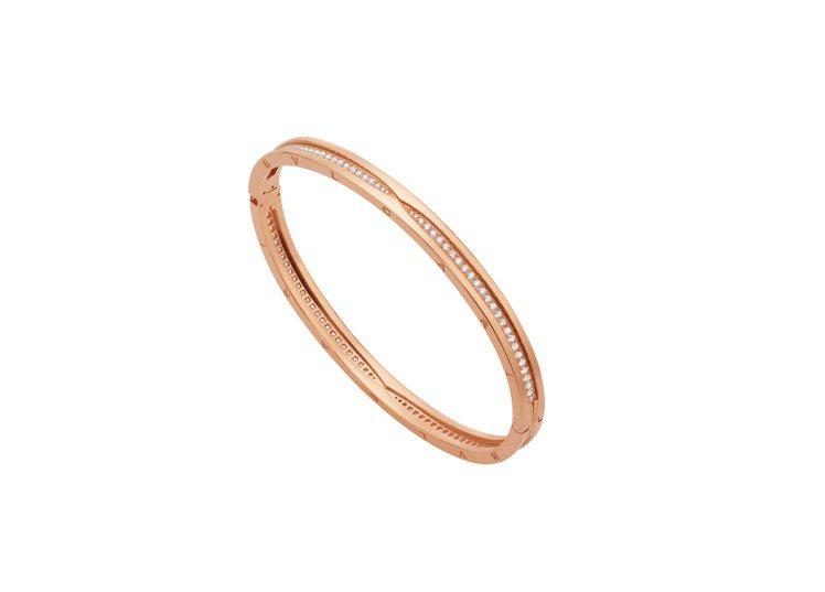 BVLGARI B.zero1系列玫瑰金鑽石手環,約33萬1,500元。圖/寶格...