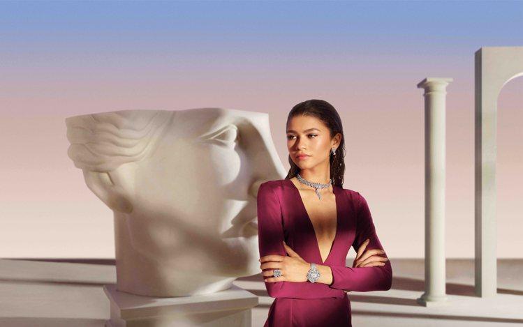 寶格麗品牌代言人Zendaya配戴寶格麗Fiorever系列頂級珠寶及Divas...