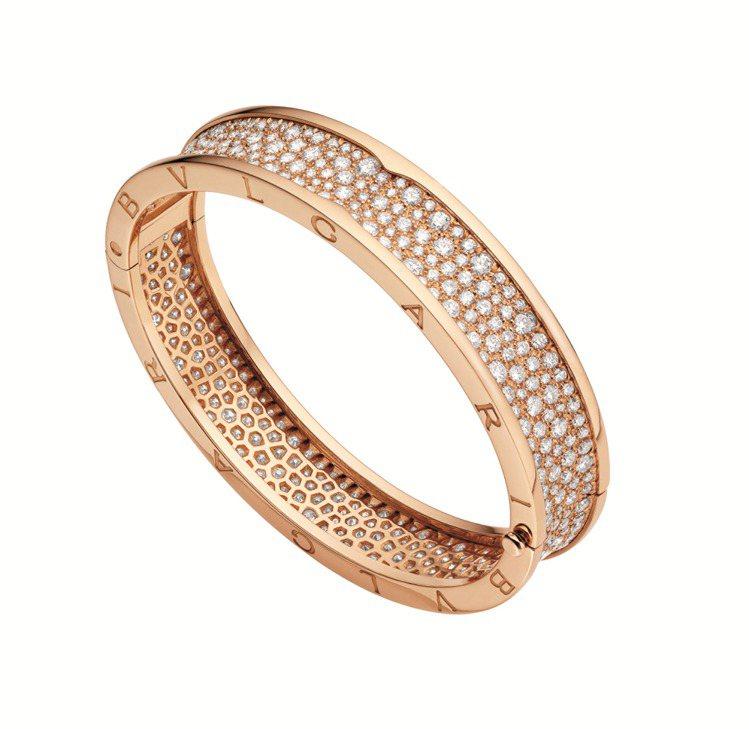BVLGARI B.zero1系列玫瑰金鑽石手環,約203萬9,000元。圖/寶...