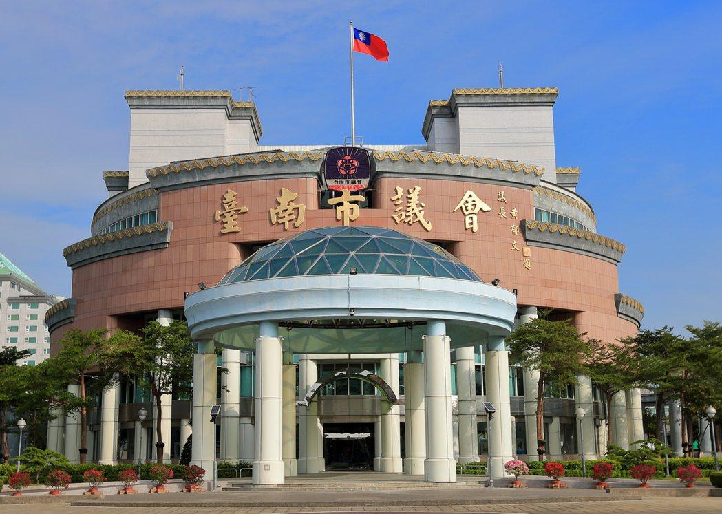 三級警戒延到7月12日,台南市議會定期會再順延。圖/台南市議會提供