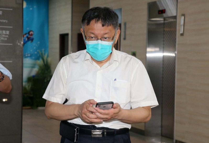 北農疫情延燒,台北市長柯文哲昨晚赴疾管署開會,與中央達成三點共識,但柯文哲今仍說「沒有用,出了房門還是政治對政治。」圖/聯合報系資料照片