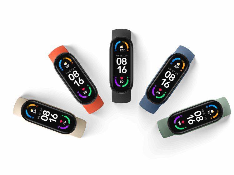 「小米手環6」提供高達60多種個性表盤及多色專屬表帶,兼顧實用及美觀。圖/小米台...