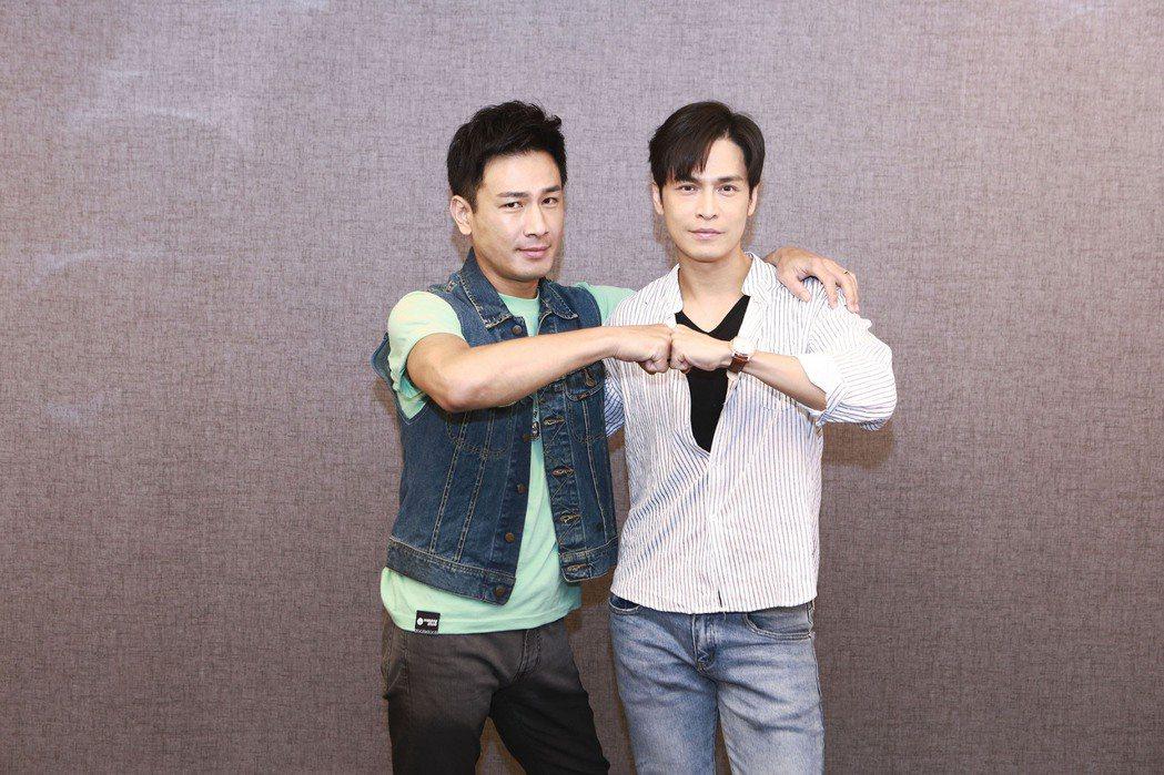 傅子純(左)、Gino自「多情城市」延續到「黃金歲月」。圖/民視提供