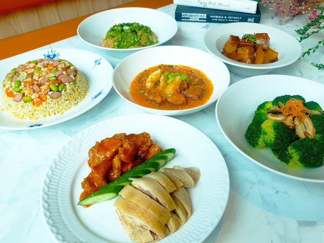 新竹福華大飯店可供5-6人食用的豪華江浙餐「尊爵合菜饗宴」 外帶餐。業者提供