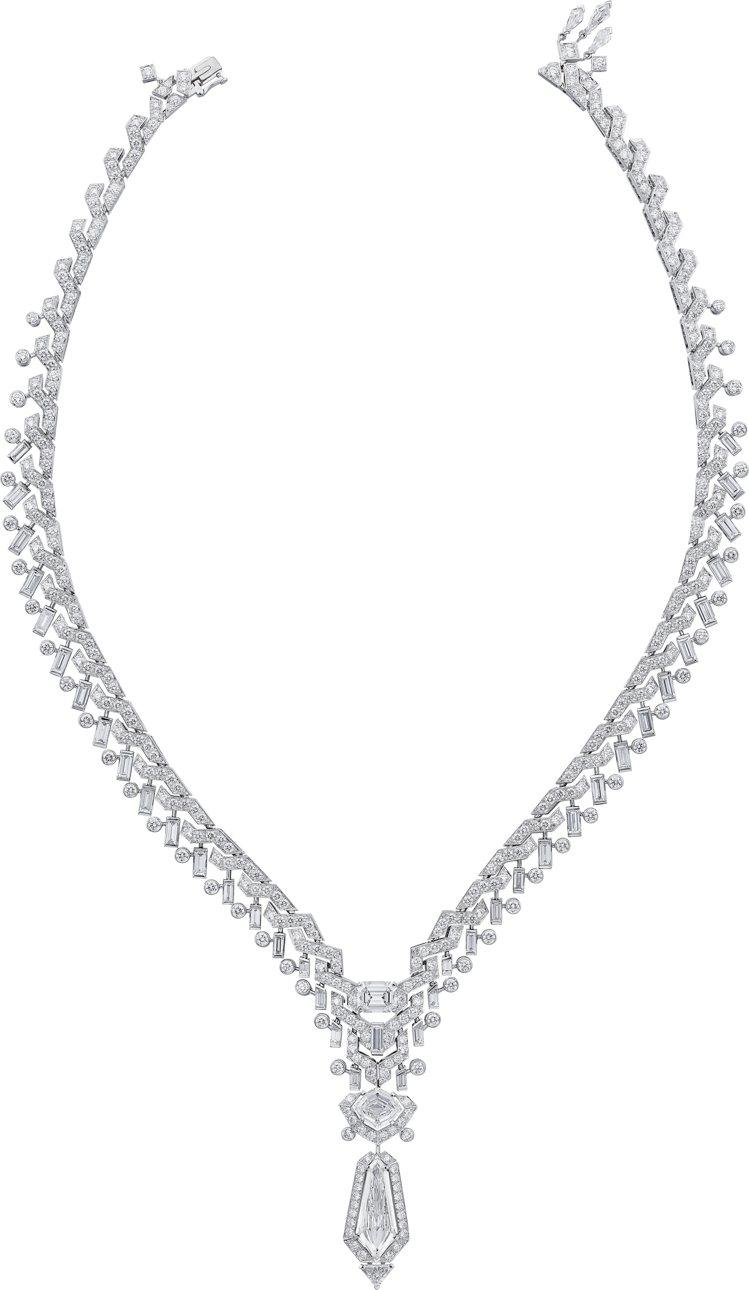 Coruscant項鍊組合六種不同切工的純淨美鑽,彰顯層次火光魅力。圖/卡地亞提...